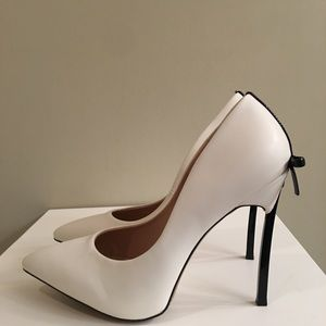 Shoes - Black white stiletto with bow detail 9.5 NEW!